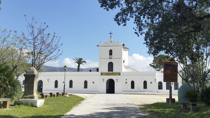 El Santuario de la Luz building